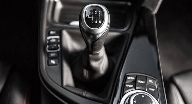 Arabada en sık yapılan hatalar - Arabayı park edip boşta bırakmak